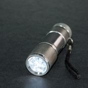 XENON LED-Taschenlampe mit SOS, Strobo-Licht, Lock-Screen